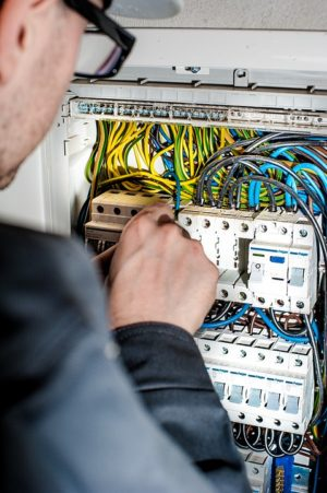 electrician-1080573_960_720